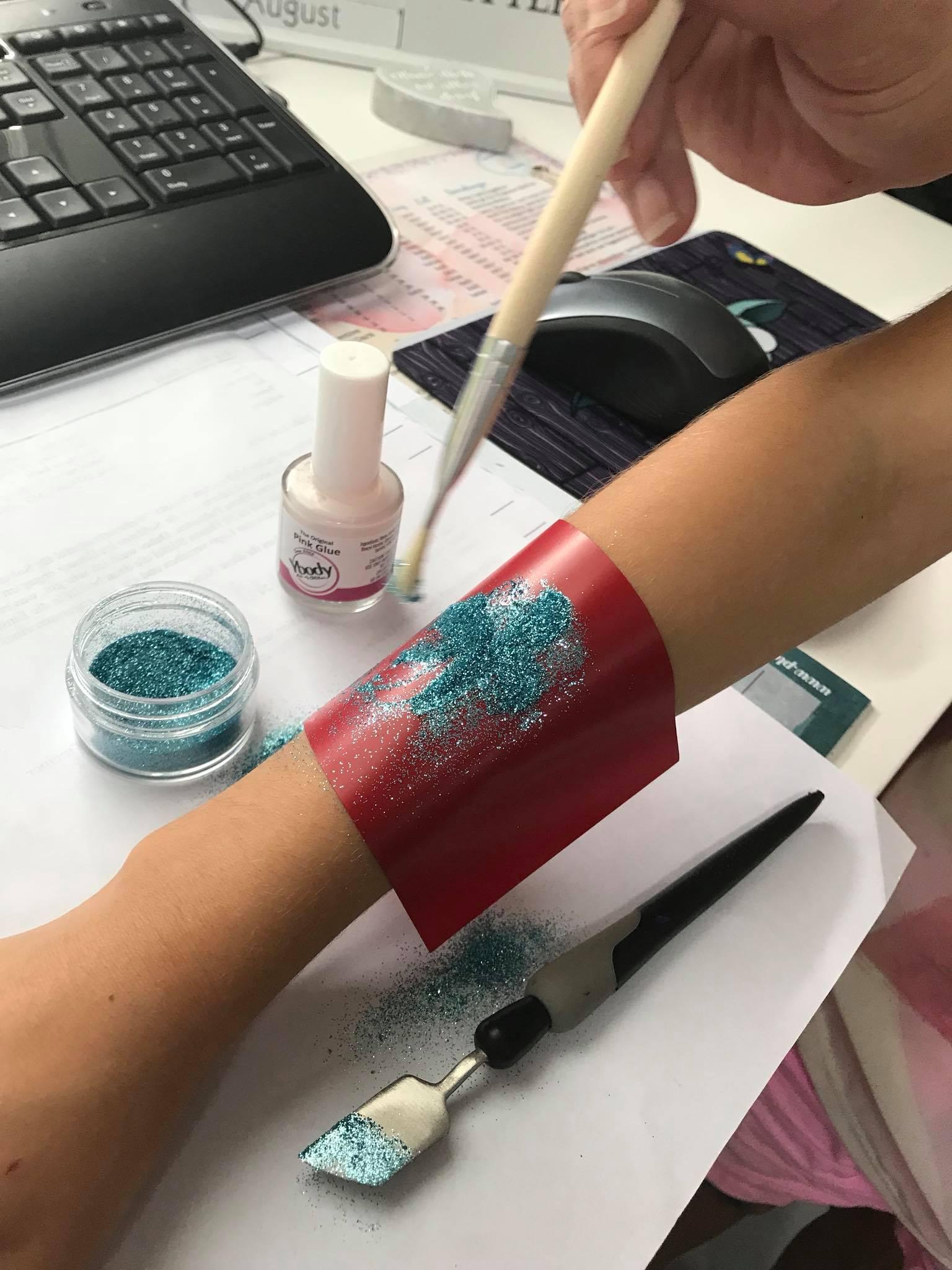 Tattoos selber machen mit den Produkten von Silhouette